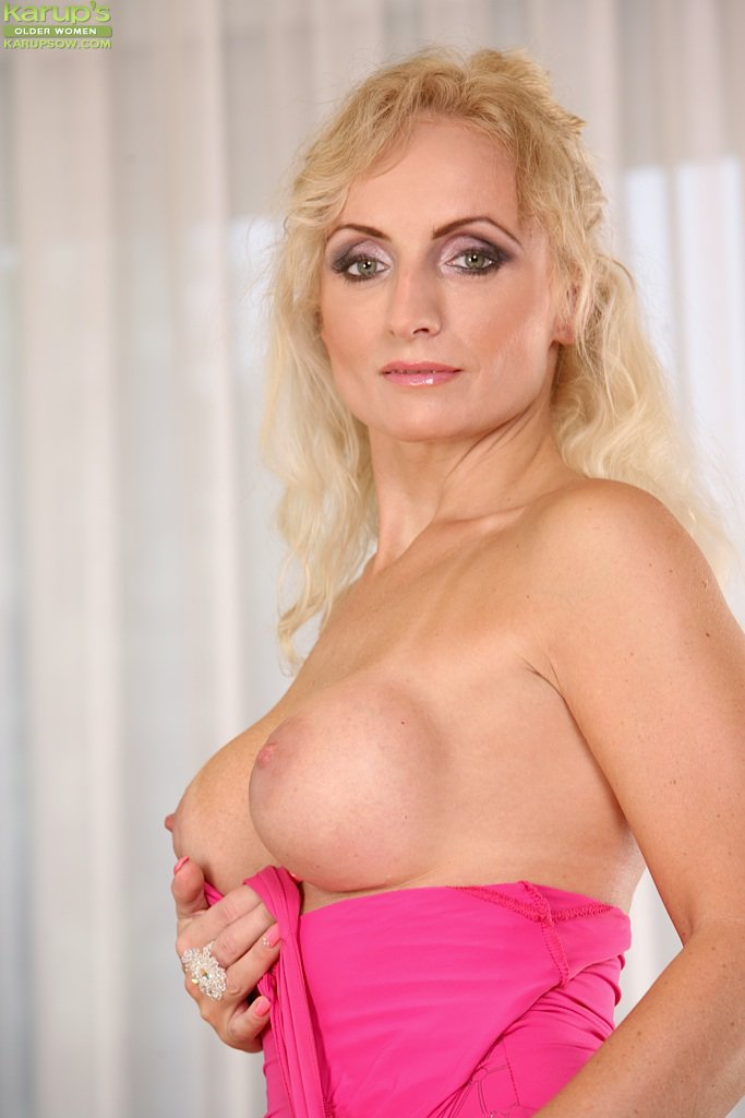 Смотреть Blond онлайн