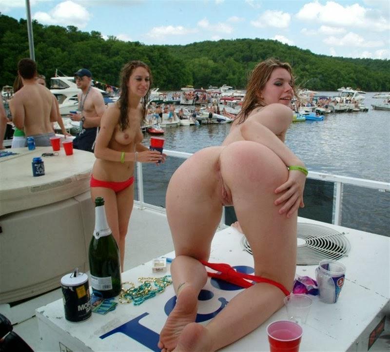 Смотреть подборка голых онлайн