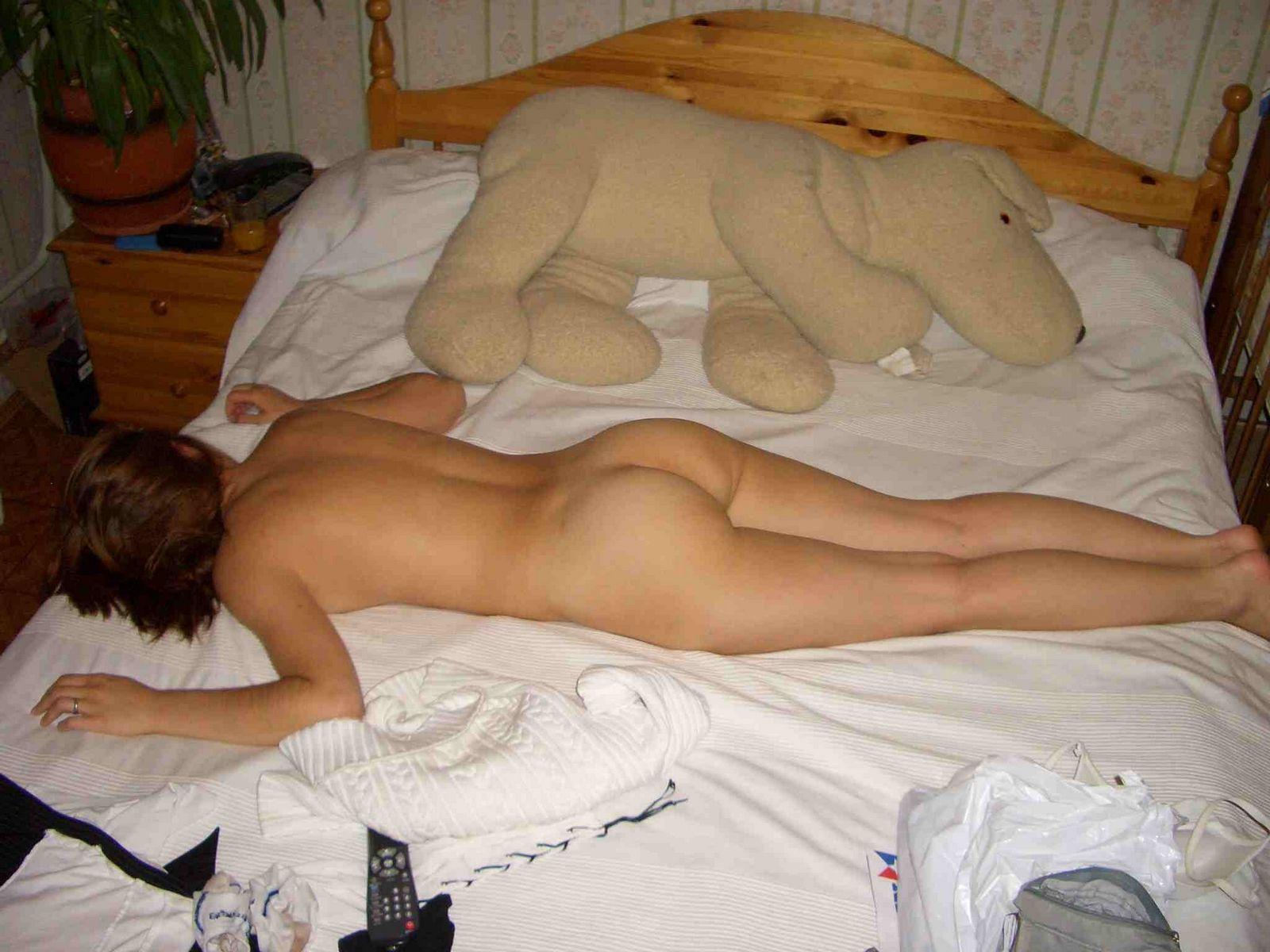 Смотреть голая лежанки онлайн