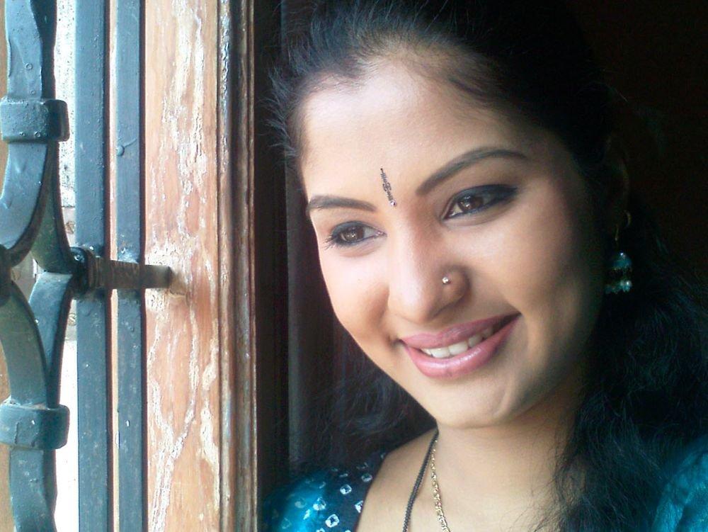 Смотреть индийский онлайн