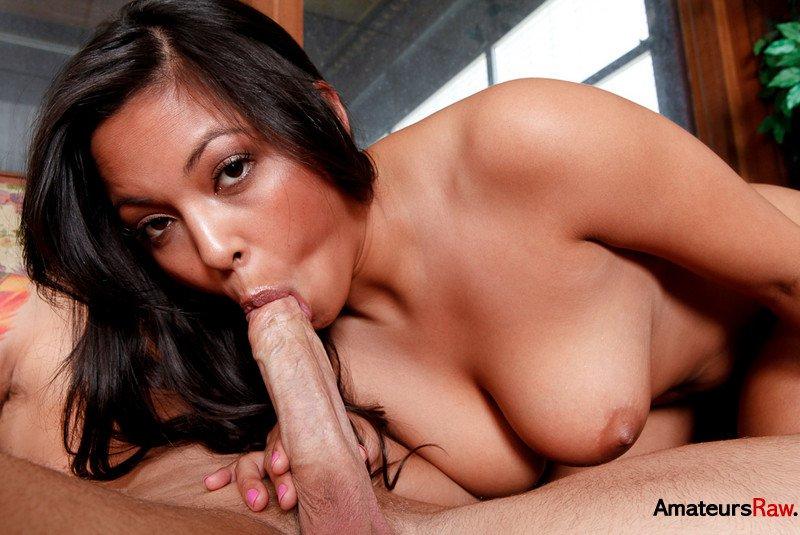 Смотреть Adriana онлайн