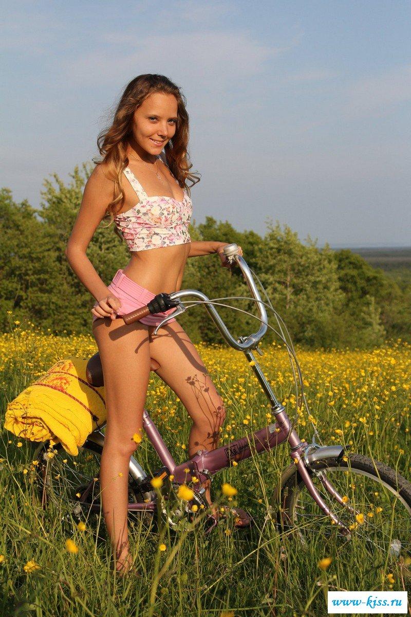 Смотреть велосипедистка онлайн
