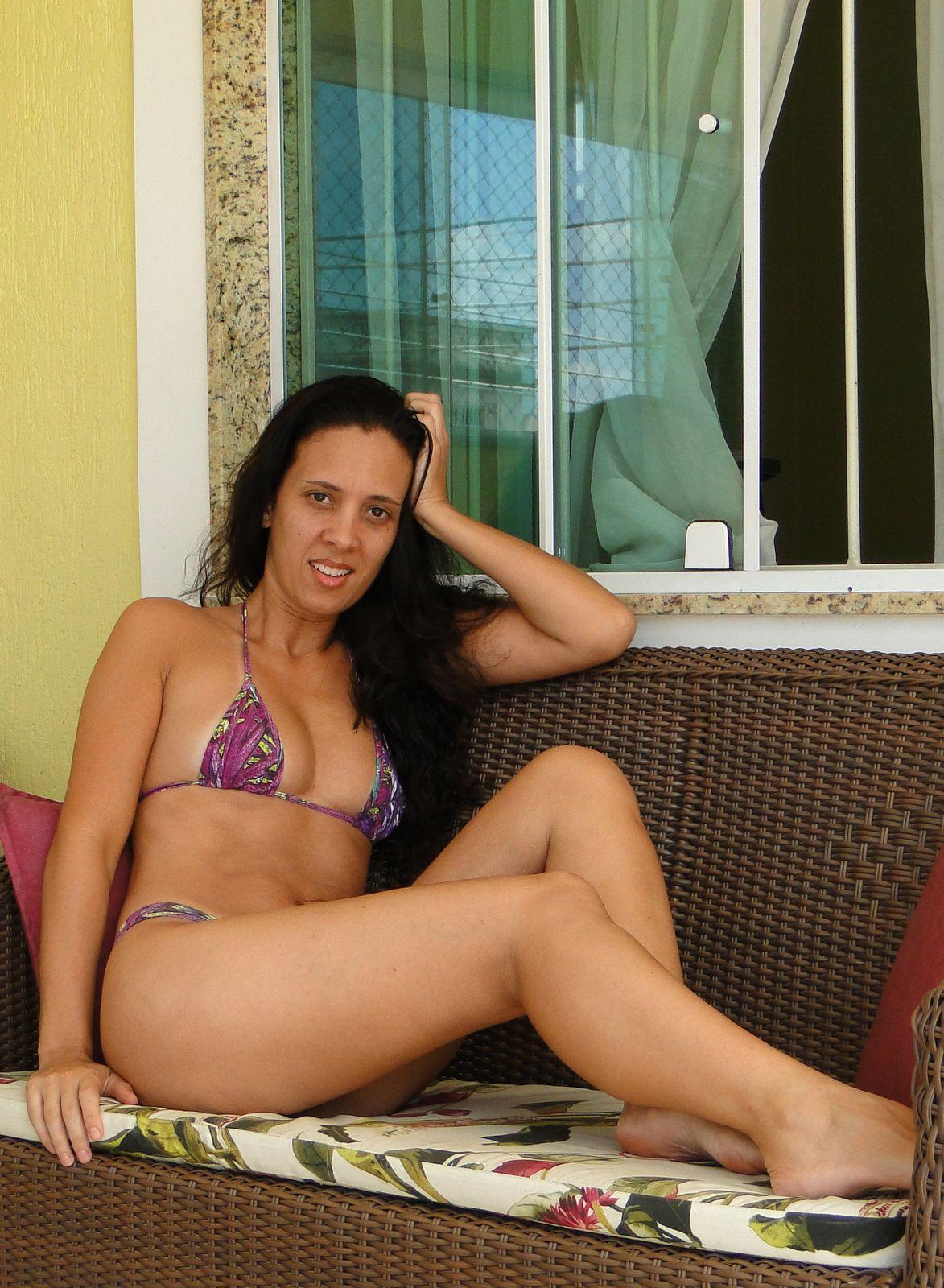 Смотреть Возбуждающие бразильянки онлайн