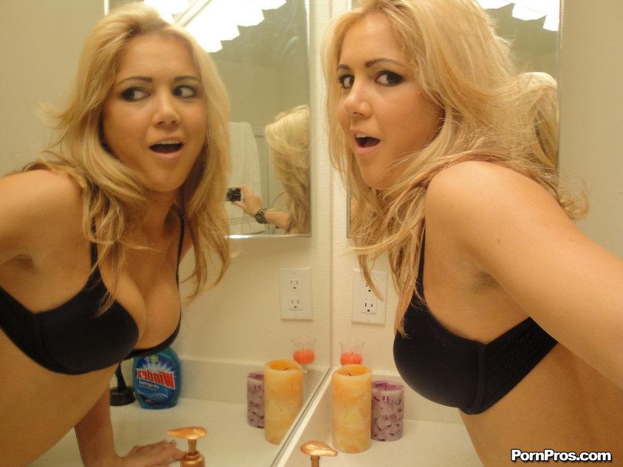 Смотреть блондинистый онлайн