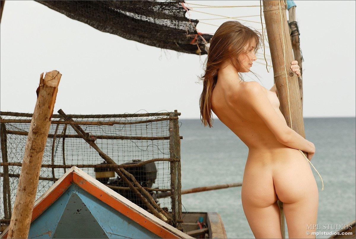 Смотреть берегу моря онлайн