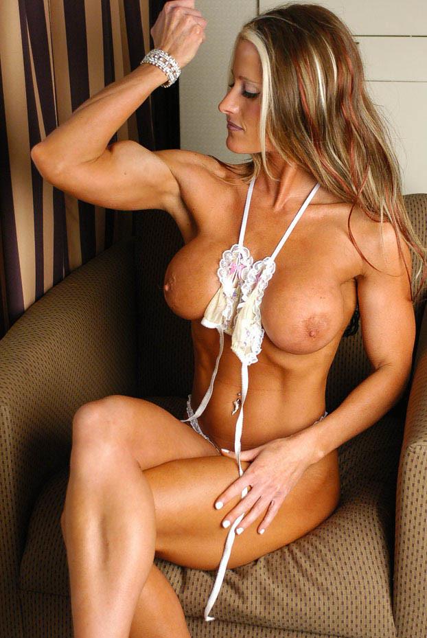 Смотреть мускулистый онлайн
