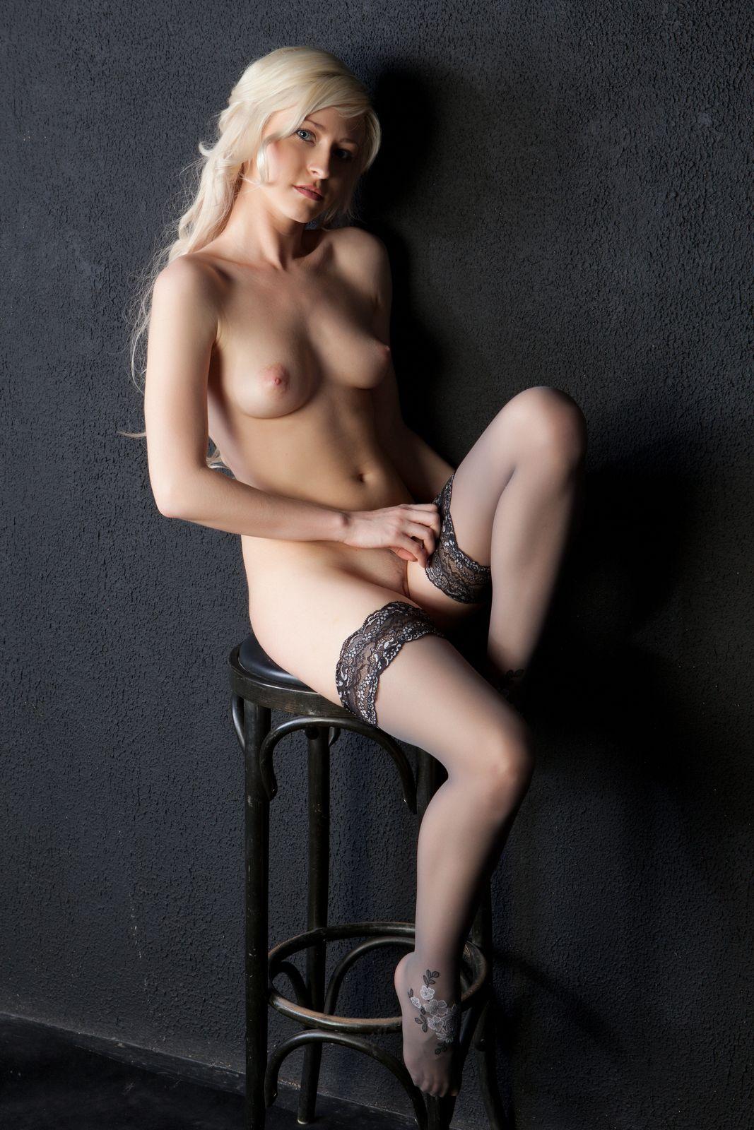 Смотреть Шанель красуется онлайн