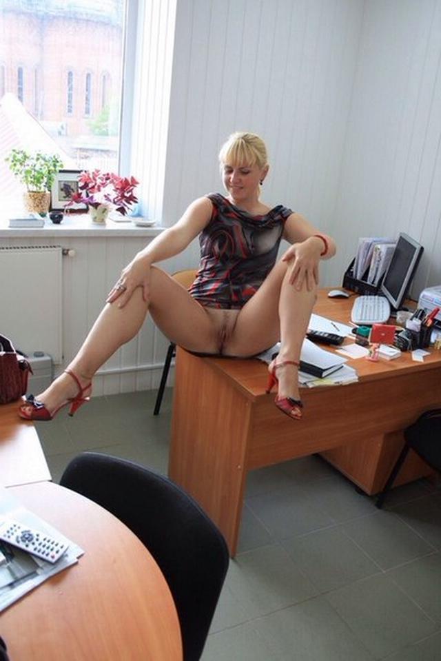 Смотреть растопыривают ножки онлайн